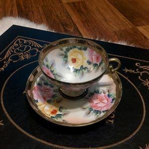 Vintage Accents - 🦋2/$10 3/$15 4/$18 5/$20 Vintage Floral Tea Set